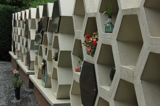 Urnenwand bio urnen kaufen bestattungskultur in oesterreich holzurnen kolumbarium klein